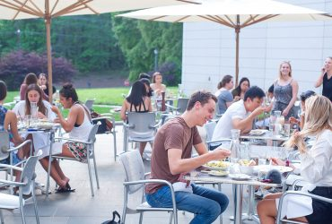 People enjoying brunch at the Nasher Museum Café.