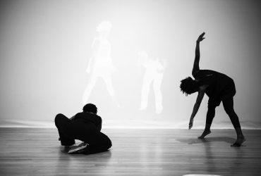 reVERSE–gesture–reVIEWed