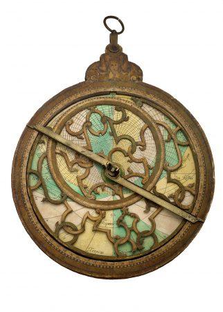 Danfrie, Johan Moreau and Philippe, Astrolabe: Western Paris, France, 1584 – 1622. Wood, paper, brass W-98a. Courtesy of Adler Planetarium, Chicago, Illinois.