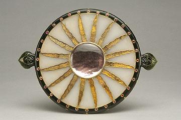 Northern Indian, Hand mirror, 19th century. Jade, gold, gemstones and mica; 9.125 inches diameter (23.18 cm). © 2006 David Franzen. Doris Duke Foundation for Islamic Art, Honolulu, Hawai'i.