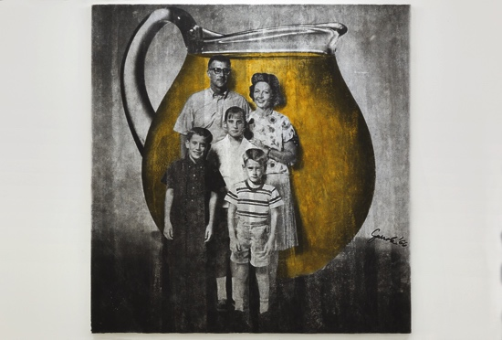 Juan José Gurrola, Familia Kool Aid (Kool Aid Family) from the series Dom-Art, c. 1966–1967. Photographic slide, 2 x 2 inches (5.08 x 5.08 cm). Courtesy of the Fundación Gurrola A.C. and House of Gaga, Mexico City, Mexico, and Los Angeles, California. Photo by Nattan Guzmán.