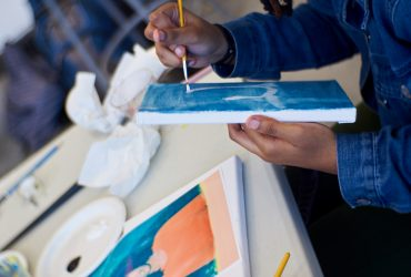 Nasher Teen Council member participates in a portrait painting workshop with artist Will Paul Thomas in his studio at the Rubenstein Arts Center. Photo by Robert Zimmerman.